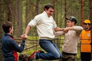 Тимбилдинг на природе: организация, сценарии игр и идеи конкурсов
