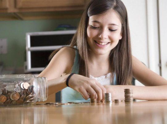 Как зарабатывать подростку без вложений: в интернете и без него