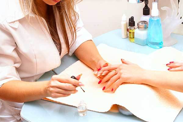 Как найти клиентов на маникюр и педикюр - пошаговая инструкция