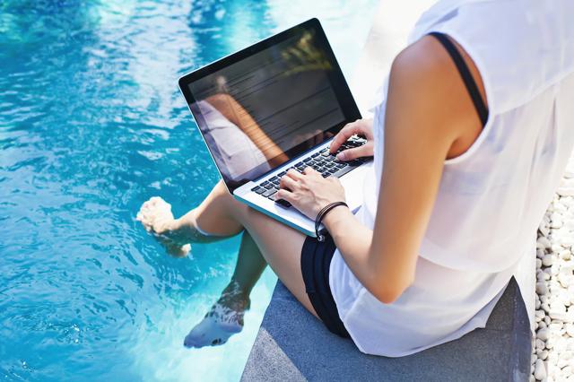 Как заработать дизайнеру на фрилансе, сидя дома в интернете