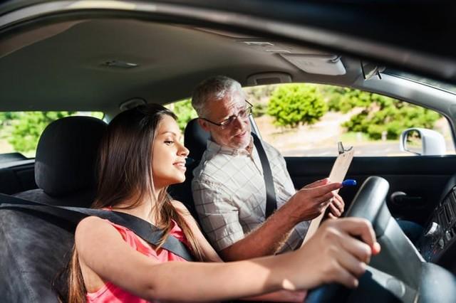 Как заработать на своем автомобиле в такси и другими способами