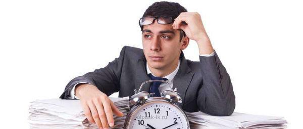 Увольнение по срочному трудовому договору: порядок, сроки и компенсации